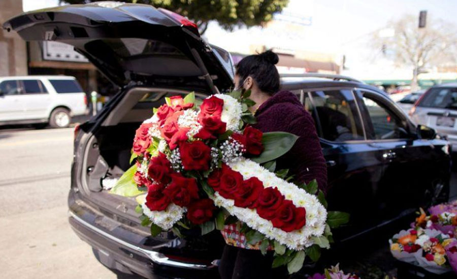 Valentine's Day and COVID wreaths: Florists have never seen a February like this one